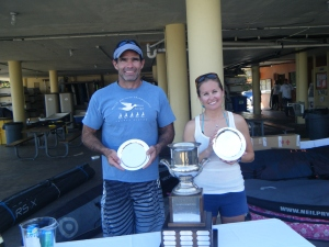 the winners, Ernesto Rodriguez and Hillary Noble with the Comodoro Rasco Perpetual Trophy
